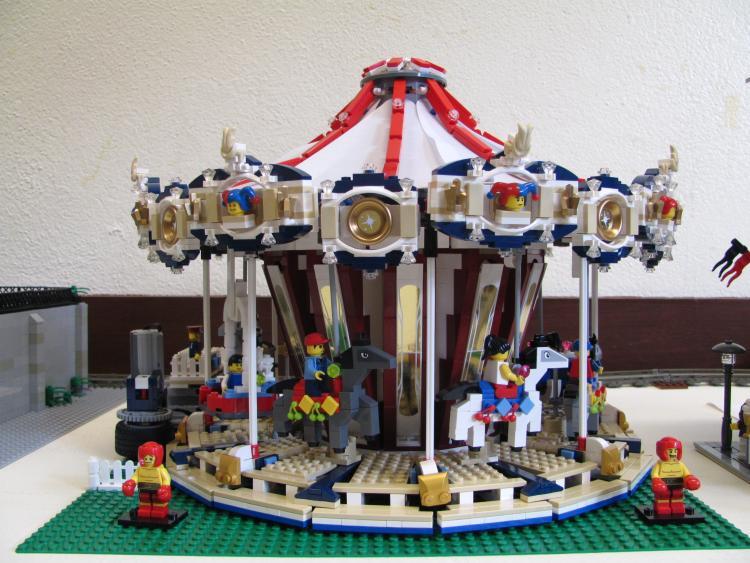 10196 - Grand carousel