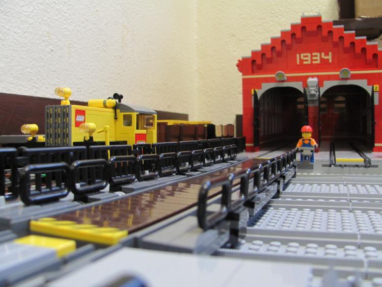 Ronald's LEGO locomotive - brick.ie at SDMRC 2011