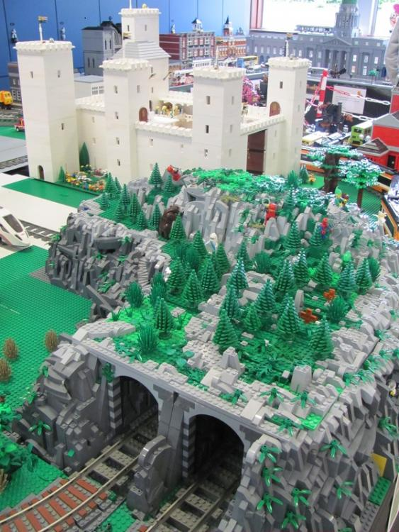 Moonstone Mountain and Faolan's castle