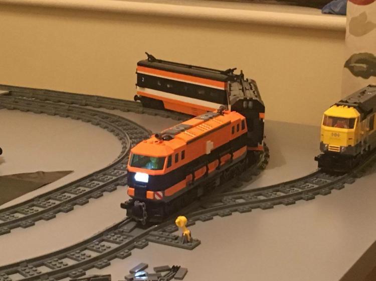 Moc train 60098>Irish rail 141/071 class.
